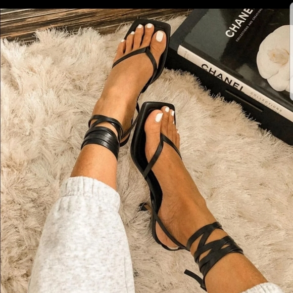 NWT ZARA Black Leather Strappy Sandals
